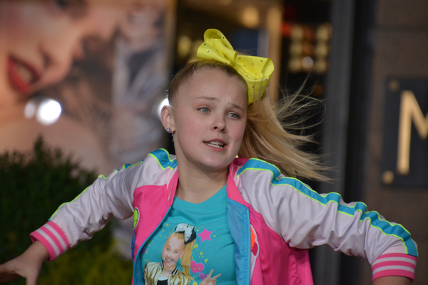 JoJo Siwa at Des Monies Civic Center